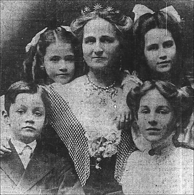 Rose Selfridge with her children