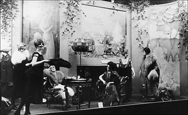 Selfridges 1920's window display